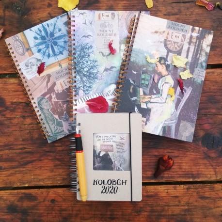 Více deníků? Poetická sad deníků s diářem - obsahuje: 3 ks poetický deník, 1 ks diář A6